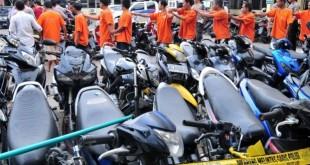 Amankan-motor-dari-pencurian-dengan-gps-tracker-motor-murah-700x329